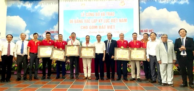 广宁省陶瓷企业创下越南6项纪录 hinh anh 1