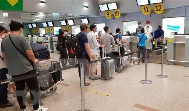 越南将343名公民从中国台湾安全接回国 hinh anh 1