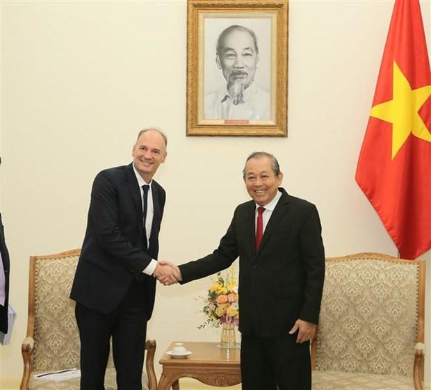 越南希望与各国合作促进辅助产业发展 hinh anh 1