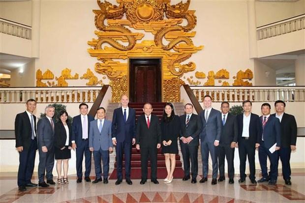 越南希望与各国合作促进辅助产业发展 hinh anh 2