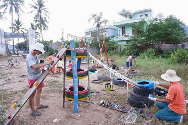 用旧物打造乐园 为儿童带来快乐 hinh anh 1