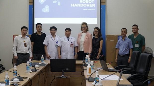 联合国开发计划署向越南赠送机器人 以防护防疫一线医护人员的健康安全 hinh anh 2
