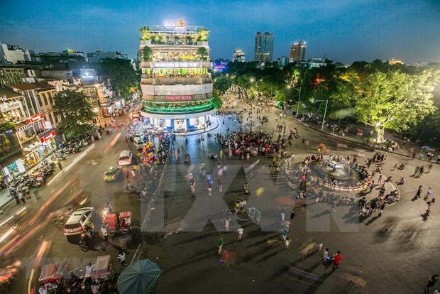夜间经济——河内吸引游客的动力 hinh anh 1
