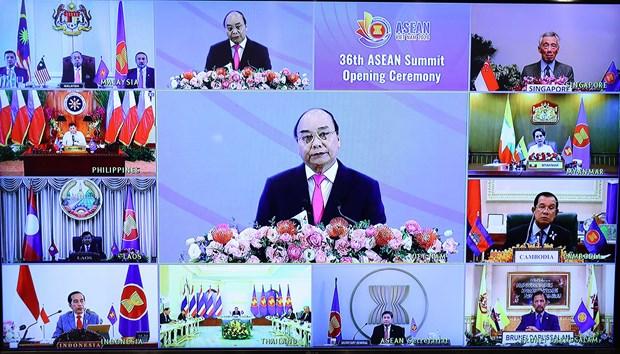 2020东盟轮值主席国年:东盟成员国领导人强调促进内部合作、推动区域贸易发展的重要性 hinh anh 1