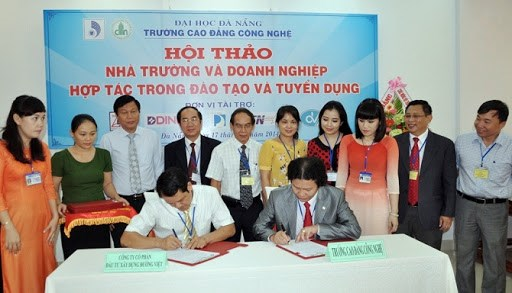 校企合作为越南优质人力资源培训注入新动力 hinh anh 1