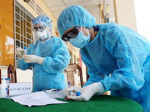 越南与印度军医互相交换新冠肺炎疫情防控经验 hinh anh 1