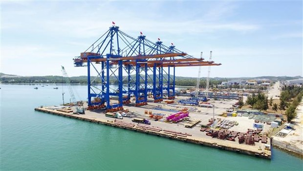 Doosan Vina向Gemalink国际港口出口2台超长超重型起重机 hinh anh 2