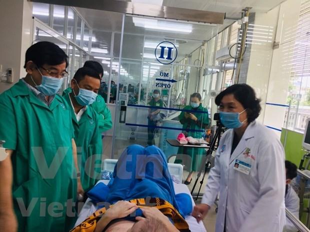 越南新冠肺炎疫情:三例患者二次检测以上呈阴性反应 hinh anh 1