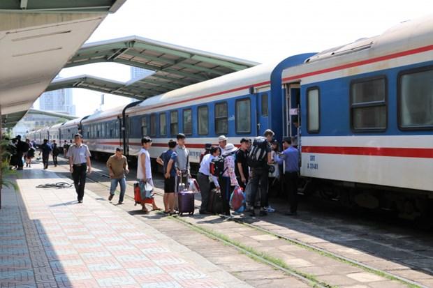 西贡铁路新增车次应对夏季客流高峰 hinh anh 1