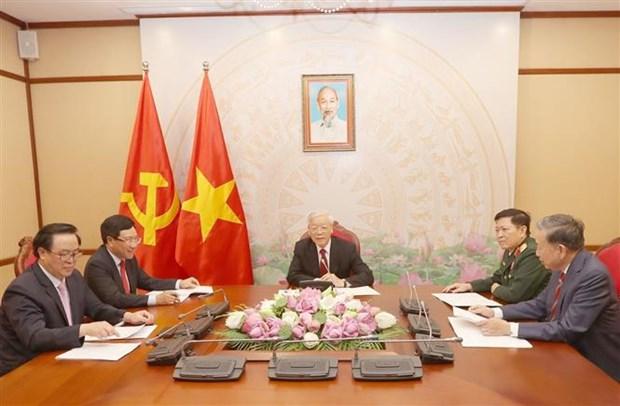 越共中央总书记、国家主席阮富仲与柬埔寨首相、柬埔寨人民党主席洪森通电话 hinh anh 2