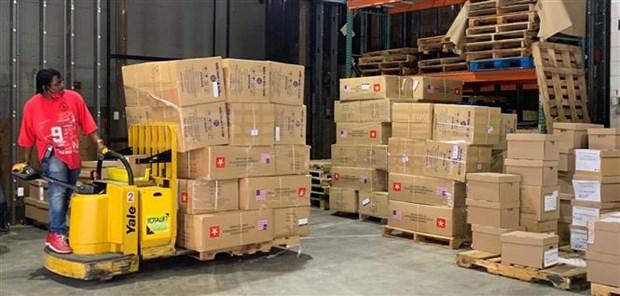 新冠肺炎疫情:河内市向美国纽约市捐赠2吨口罩 hinh anh 2