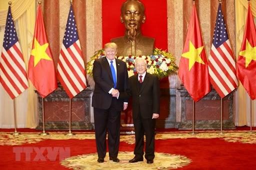 越南与美国建交25周年:两国领导互致贺信 hinh anh 1