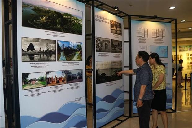 岘港海滨城市展展出逾200个珍贵资料 hinh anh 2