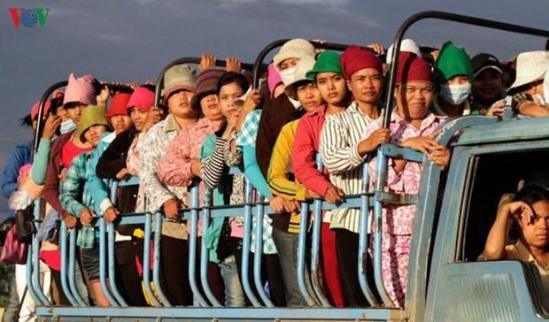 新冠肺炎疫情:今年上半年柬埔寨经济陷入停滞状态 hinh anh 2