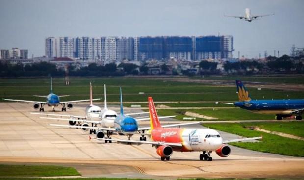 交通运输部预计8月份恢复各定期国际商业航班 hinh anh 1