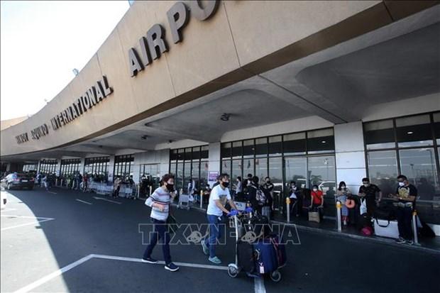 新冠肺炎疫情:菲律宾从8月起允许持有菲律宾长期签证的外国人入境 hinh anh 1