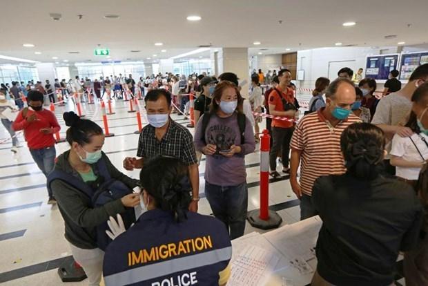 滞留泰国的外国人可以在7月31日之后申请签证延期 hinh anh 1