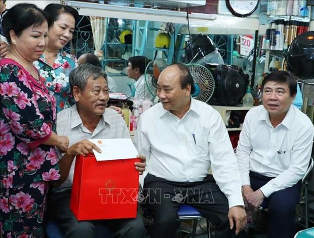阮春福:胡志明市应注重加快公共投资到位进度成功实施2020年经济社会发展计划 hinh anh 2