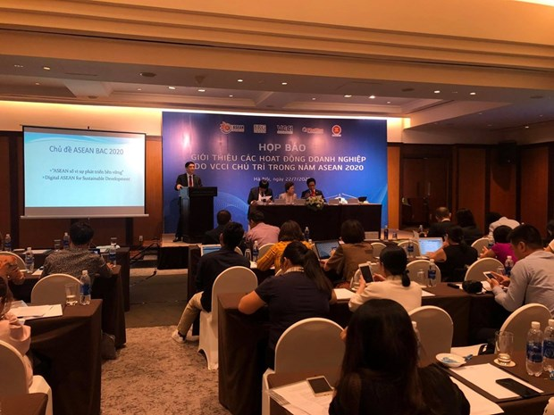 2020东盟轮值主席年:越南工商会着力实现促进东盟共同体发展与深化企业合作对接的目标 hinh anh 1