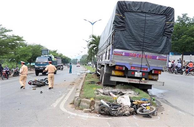 阮春福总理要求有关单位避免严重交通事故发生 hinh anh 1