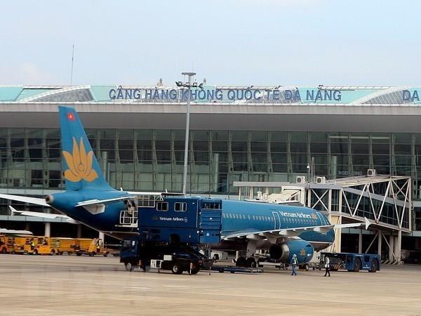 新冠肺炎疫情:岘港国际机场暂停接受国际航班 hinh anh 1