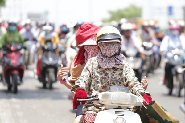 越南北部和中部地区炎热天气或将持续数日 hinh anh 1