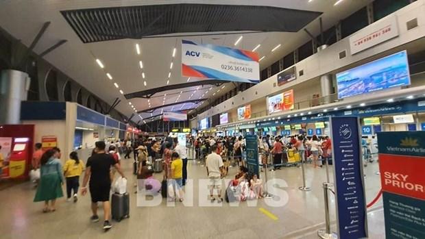 各家航空公司增加航班班次 满足旅客离开岘港市的需求 hinh anh 1