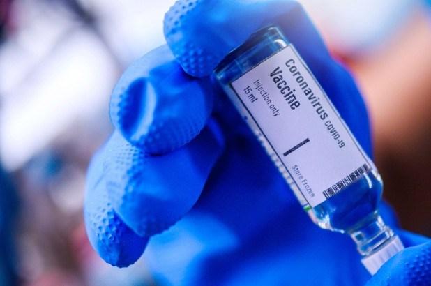 越南疫苗和生物制品研究院将新冠肺炎疫苗样本送往美国试验 hinh anh 1