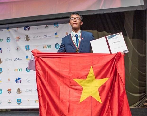 河内学生获得2020年欧洲物理奥林匹克竞赛的金牌 hinh anh 1