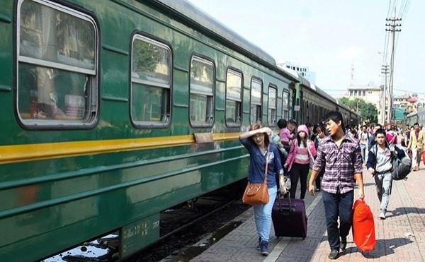 铁路总公司暂停往返河内和胡志明市的SE11/SE12列车 hinh anh 1
