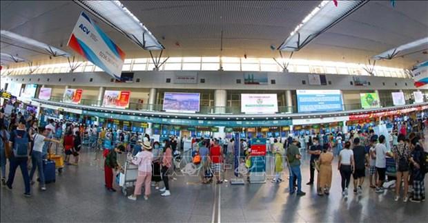 岘港市安排2趟航班运送滞留乘客离开该市 hinh anh 1