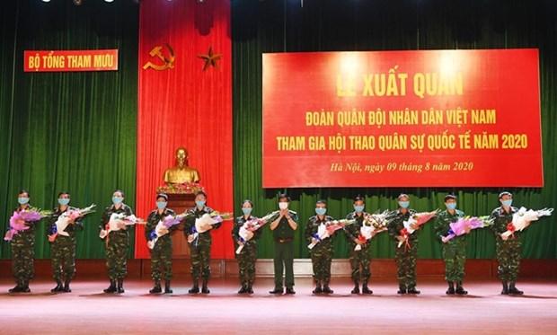 越南人民军代表团出征参加2020年国际军事比赛 hinh anh 1