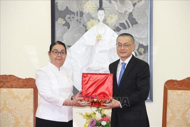 柬埔寨为越南已故驻柬大使吴田勋追授国王勋章 hinh anh 1