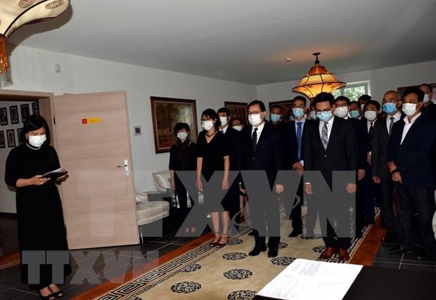 原越共中央总书记黎可漂的吊唁仪式在瑞士、比利时、德国和加拿大举行 hinh anh 1