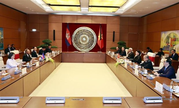 国会主席阮氏金银会见柬埔寨国会主席韩桑林 hinh anh 2