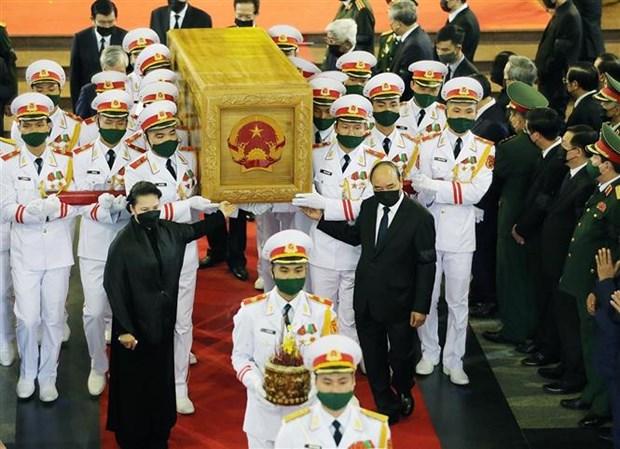 原越共中央总书记黎可漂追悼会和安葬仪式举行 hinh anh 2