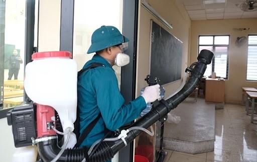 越南政府向各部门和地方发放消毒防疫化学品 hinh anh 1