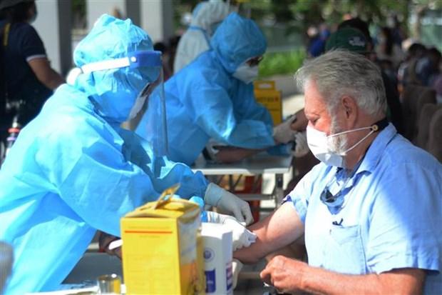新冠肺炎疫情:越南新增一例出院病例 一例重症病例死亡 hinh anh 1