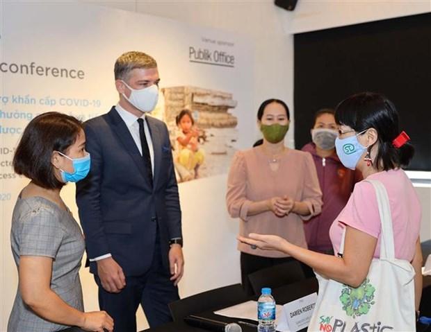新冠肺炎疫情: 西贡儿童慈善协会帮助贫困儿童获得上学机会 hinh anh 1