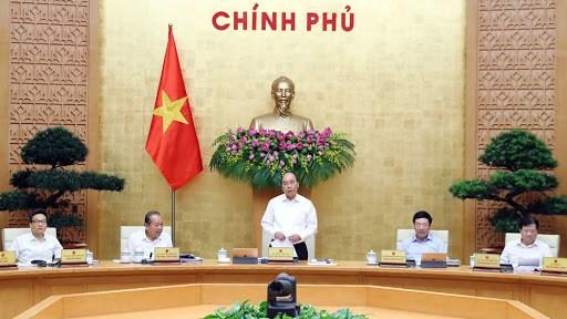 阮春福总理:努力实现双重目标 确保经济运作不间断 hinh anh 1