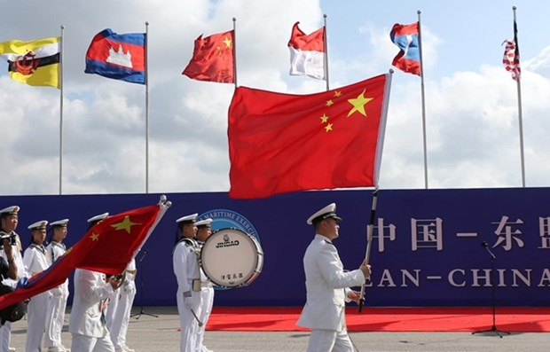 中国驻菲律宾大使馆:东盟和中国恢复COC谈判 hinh anh 1