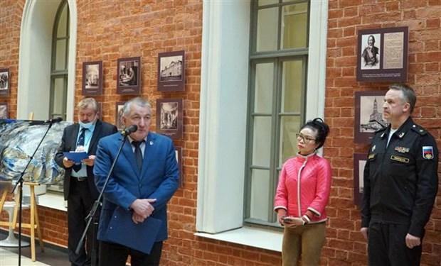 """""""金兰:越俄军事合作""""展览会在圣彼得堡举行 hinh anh 2"""
