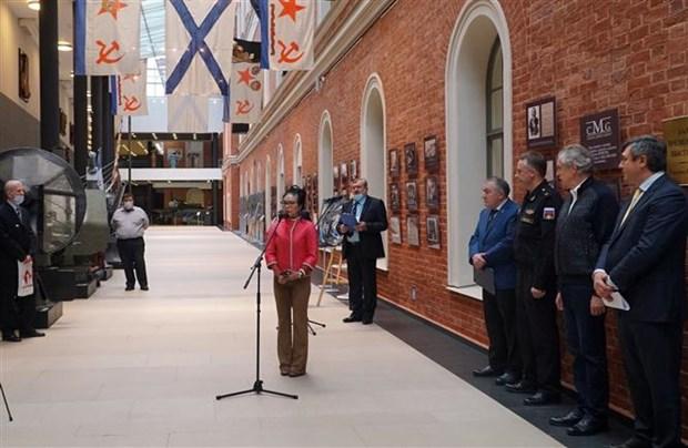 """""""金兰:越俄军事合作""""展览会在圣彼得堡举行 hinh anh 3"""