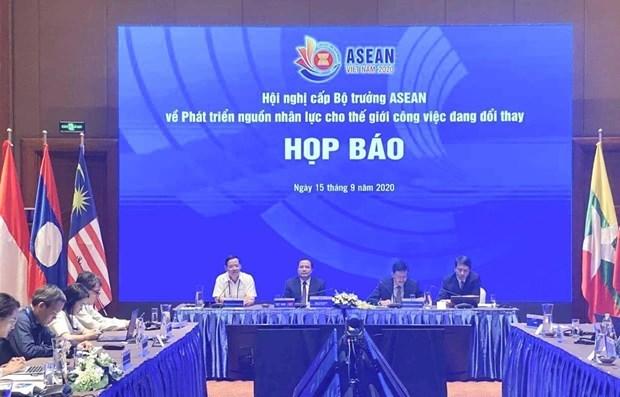 越通社评选一周要闻回顾(2020.9.14-2020.4.20) hinh anh 2
