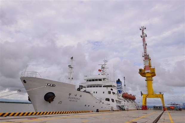越南海事大学接受由韩国政府援赠的训练舰 hinh anh 1