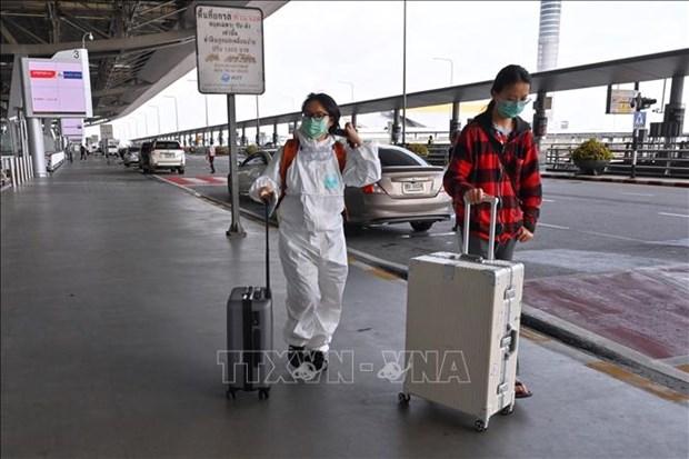 泰国拟减少入境游客隔离期 雅加达延长大规模社会限制期限 hinh anh 1