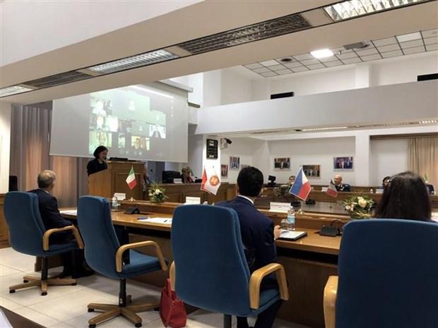 加强配合 有效落实意大利-东盟发展伙伴关系的行动计划 hinh anh 1