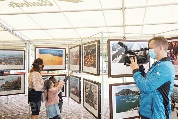 旅居捷克越南人开展系列活动 加强与捷克公民的沟通交流 hinh anh 2