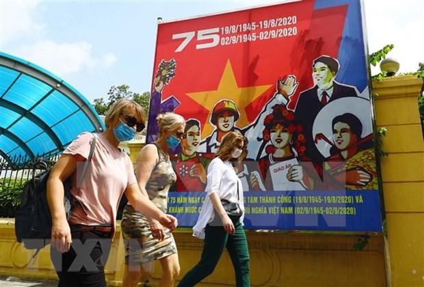 9月份越南接待国际游客量主要是外国专家和技术人员 hinh anh 1