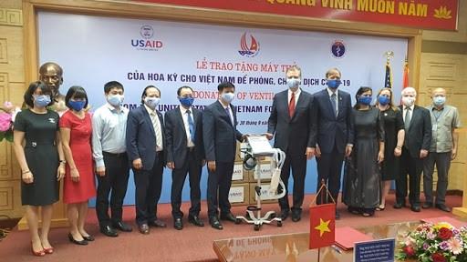 美国向越南捐赠100台呼吸机 hinh anh 1